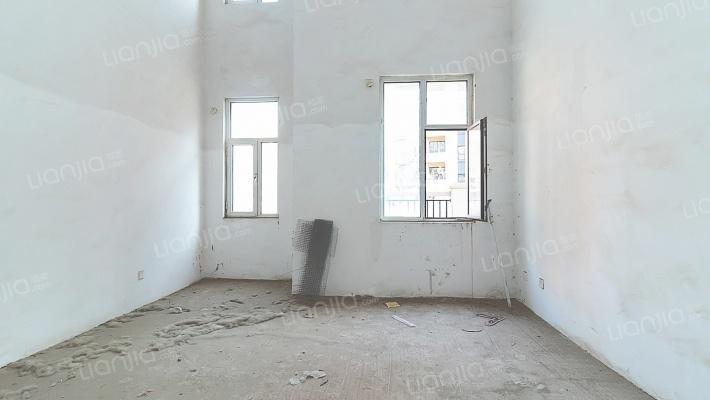 伊丽莎白东岸 6室3厅 南