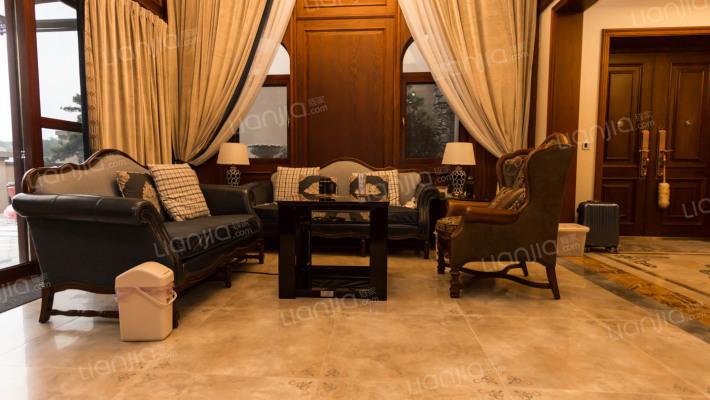 保利公园2010 拉菲庄园独栋大别墅 带装修关门出售