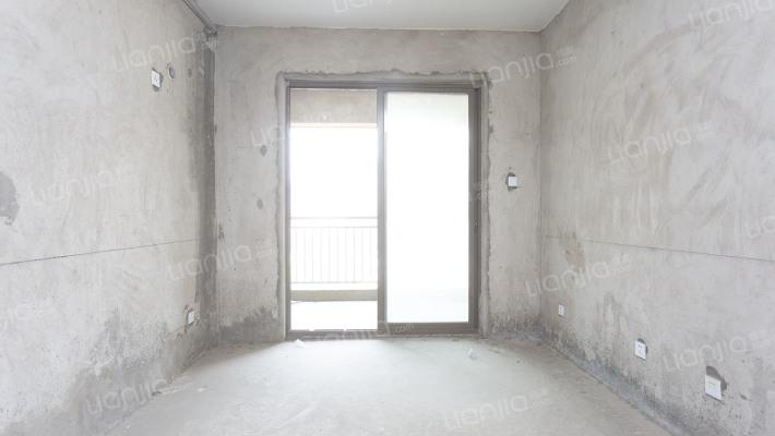 锦纯毛坯公寓房,,业主诚心出售.........