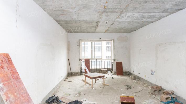 正规复式楼,单价只需5000,空间利用高