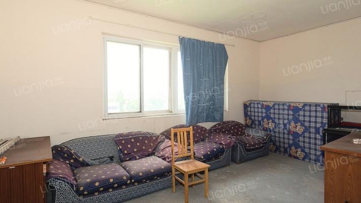 振兴小区 6室2厅 南