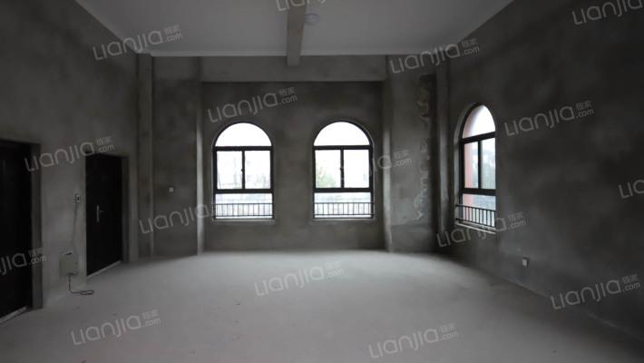 金色荣湾 别墅 毛坯房 环境优美 位置安静。。。