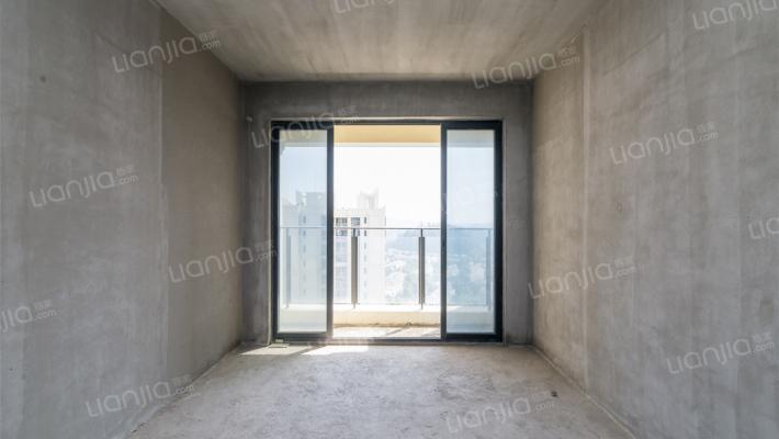 卧龙山一号 两房户型方正 满五唯一 高楼层 景观很好