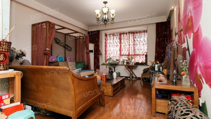 曲江翠竹园,满三满二,产权清晰,精装修三室两厅