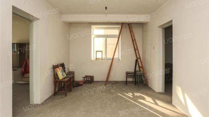 钢北新村 5室2厅 南 北