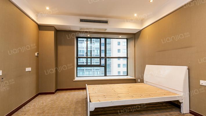 凤凰城,民用水电酒店式公寓,看房方便,房东诚心出售