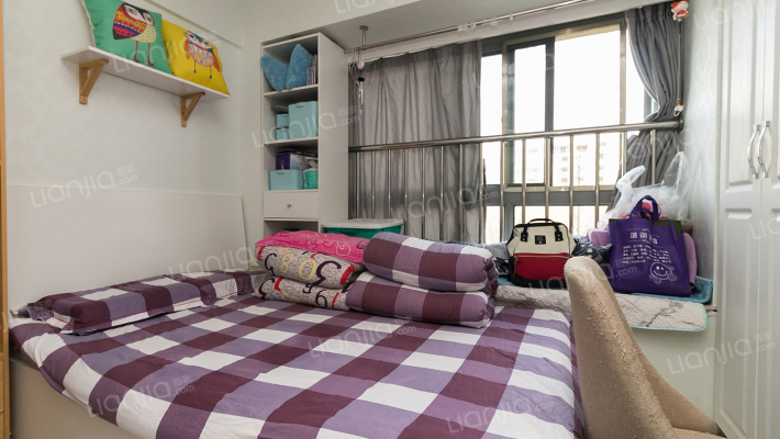 联合广场精品公寓,适合小两口居住,看中可谈