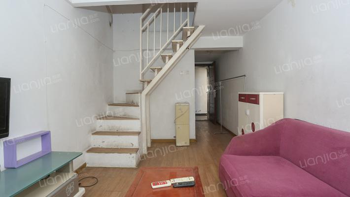 财富两房 温馨舒适 楼下配套齐全 居住舒适