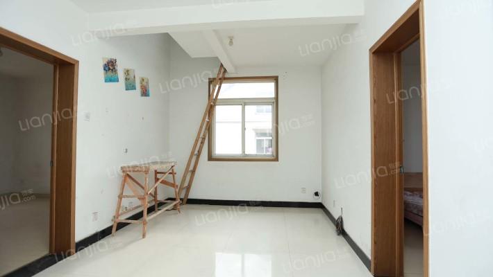 房子满五年,复式楼,小区z 便宜、光不遮挡,值得看