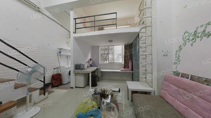 产权清晰公寓 业主诚心出售,采光好无遮挡