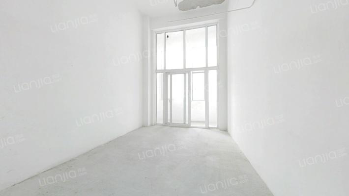 万华1号 2室2厅 62万