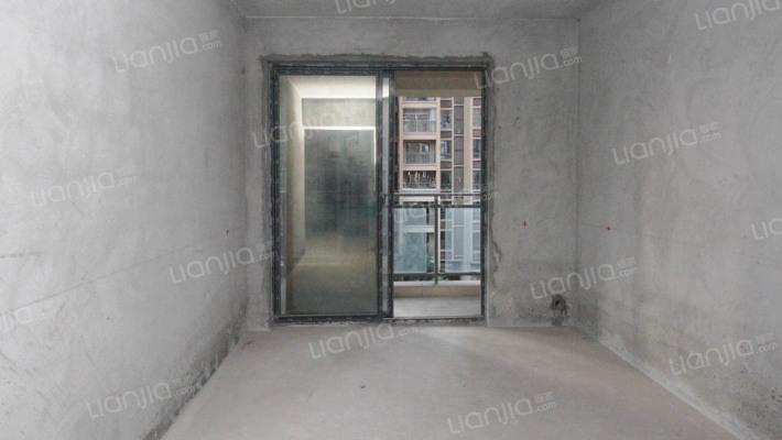 长安锦尚城清水房,低楼层业主诚心出售