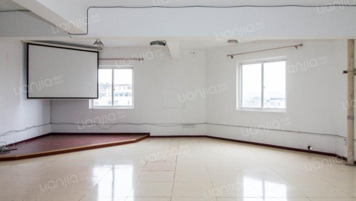 协信广场电梯房,利用空间大,可住家,也可以做商用
