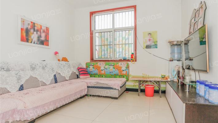 阳光名居 房东诚意出手 房子整洁舒适 房东包税费