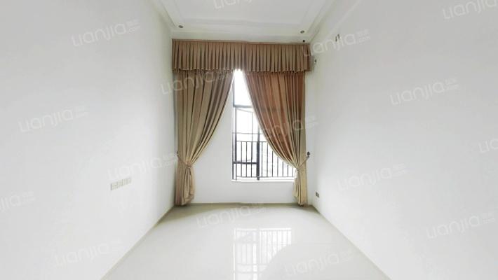 温馨的复式套房子,居家,精装修的