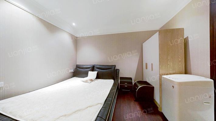 江南明城金座,2号线地铁口,小面积公寓,诚心出售