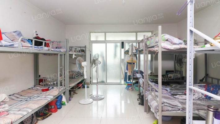 省级单位宿舍 大平层 通透性好 物业好物业费1.1元/平