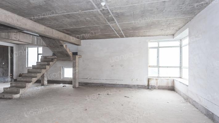 凯泰庄园 6室4厅 南