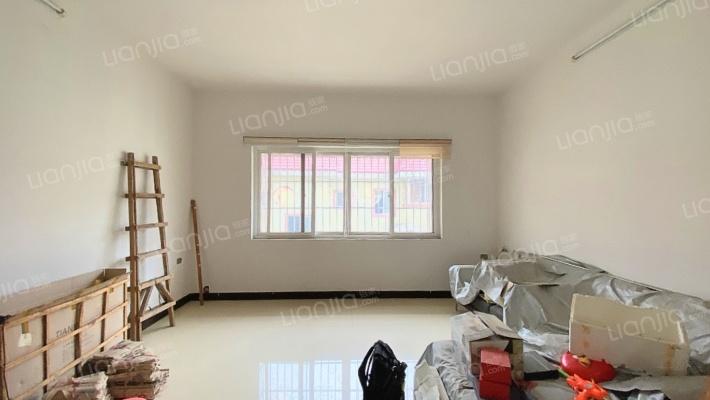 龙福小区 5室2厅 南 北