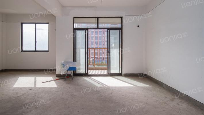 复式楼,毛坯空间宽敞,南北通透,采光好。