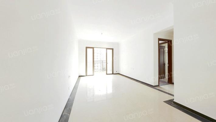 龙光城沃尔玛商圈正规3房2厅2卫诚心出售