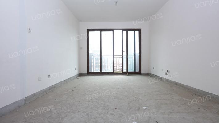 此房满两年,看房方便, 房东诚心出售
