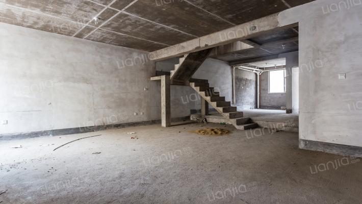 凯泰庄园 5室3厅 南