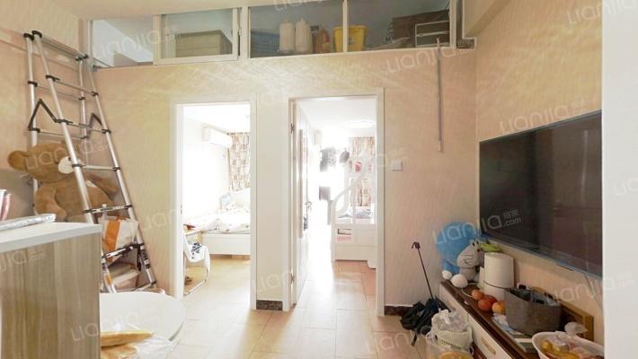 两室自住装修好房,房东诚心出售