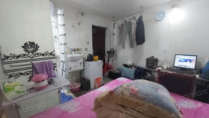 急售湘雅三医院单间带卫生间有不动产权证无需购房资格