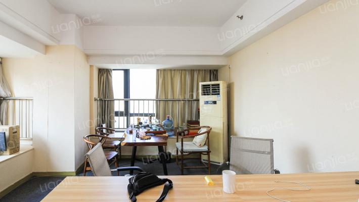 仓山万达c区,总价46万单身公寓,酒店出租装修