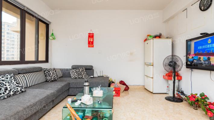 云泰锦园 105平高层 三室两厅 套型好 可以贷款