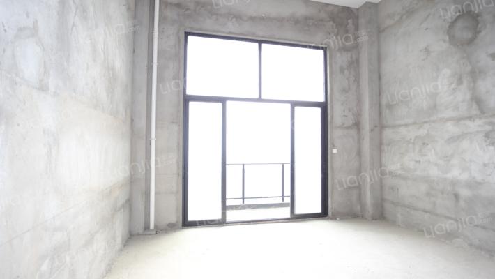 联排别墅,视野好,采光好,使用面积大