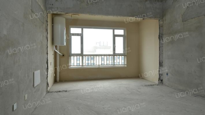 金海名园,顶楼复式,毛坯房,采光视野好,适合改善