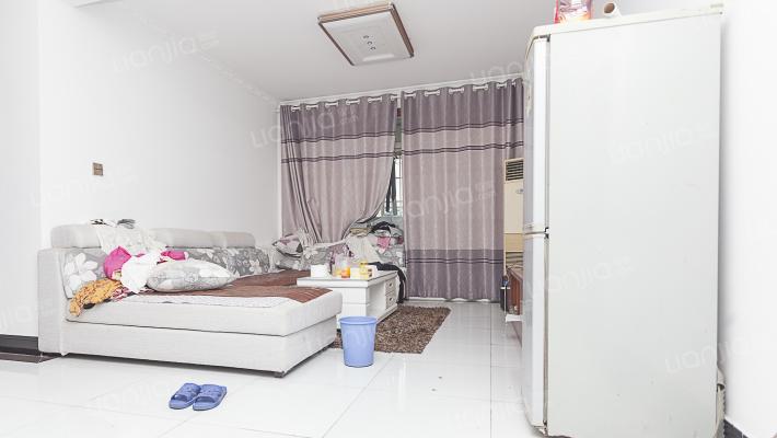 此房精装修拎包入住满两年免增值税
