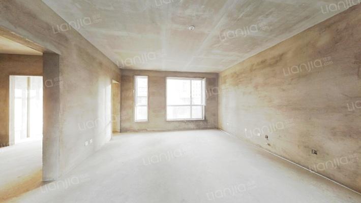 房南北通透 格局好采光不遮挡 五室两厅两卫,步梯洋房