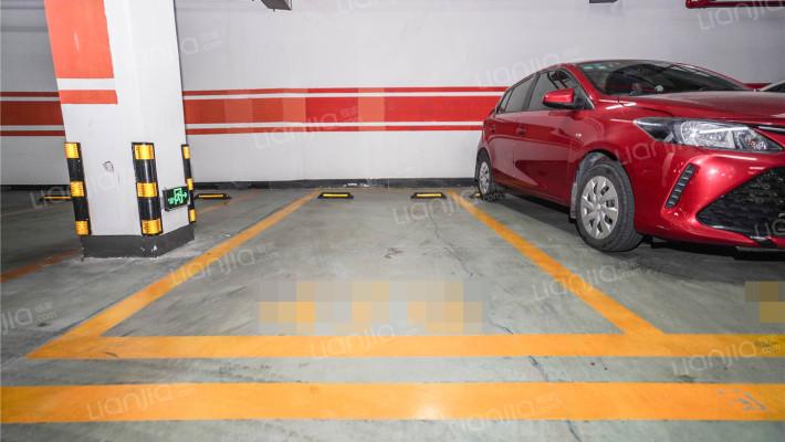 只有当你紧急的时候,你才知道楼下有个车位是多么的好