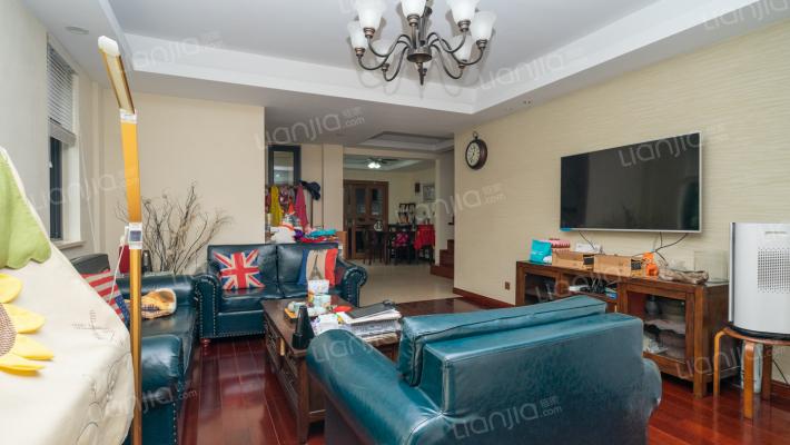 瑞园叠墅 房东诚心出售 六室三厅 加地下室约250平