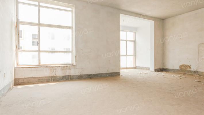 凯泰庄园上叠三层别墅  大空间  大露台