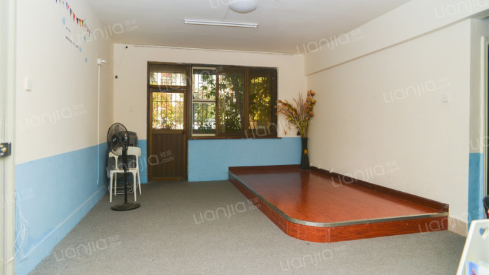 丽景花园大四房,1楼低楼层。诚心出售