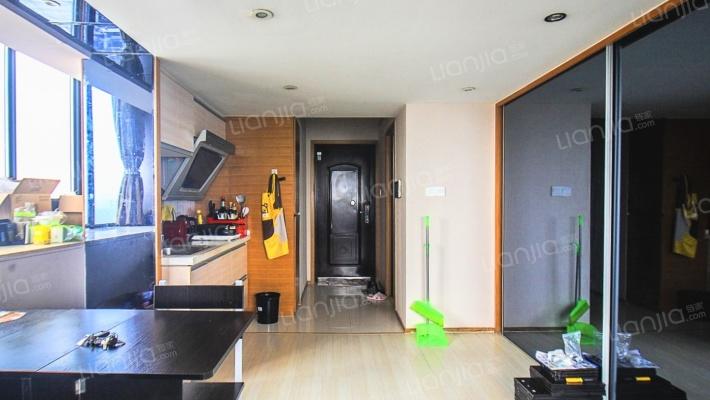 明海复式公寓边套精装修 保养干净整洁 可拎包入住