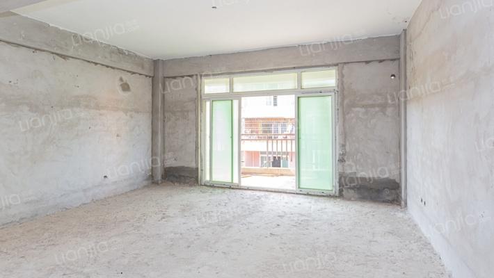 东盛帝豪268平方毛坯房 白给一个大露台和阳光房