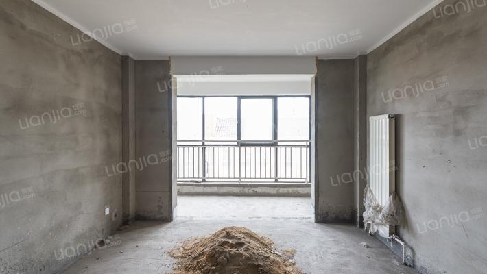 三和家园 6室2厅 南