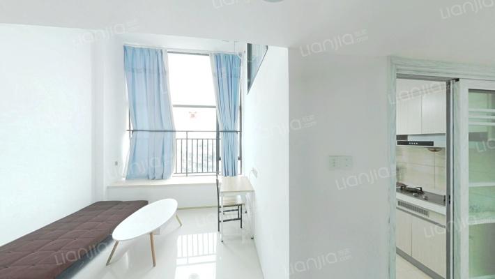 卢浮公寓复式两房,楼层好视野宽阔,安静舒适