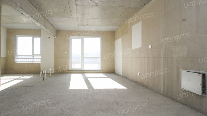 龙湖花屿墅 4室2厅 南 北