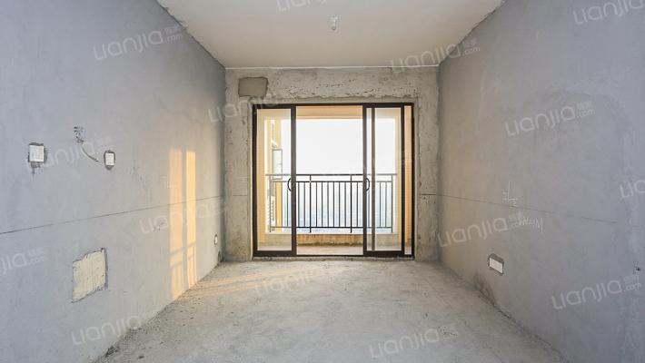 信鸿蔚蓝海岸出售三房两卫    南北对流   毛坯房