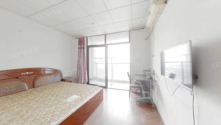 义蓬购物中心 1室1厅 52万
