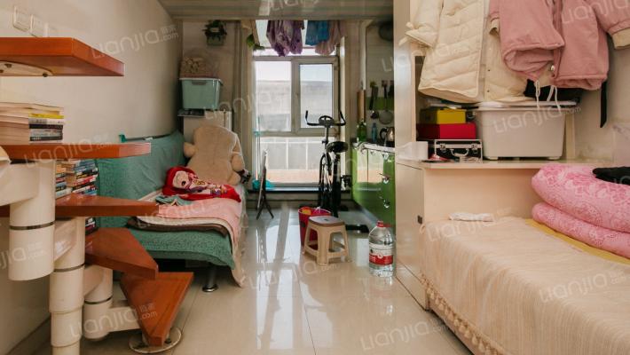 兴华街龙头公寓精装一室 28,8万