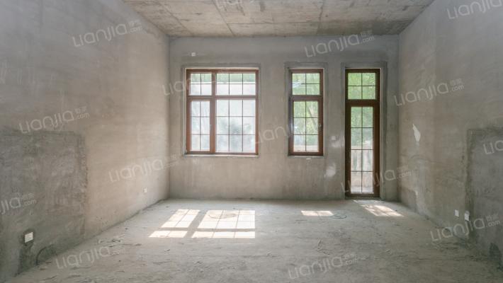 鑫界王府 5室2厅 南 北