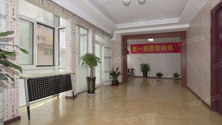 底商!底商!楼下是丰庆公园,交通便利可看到丰庆公园