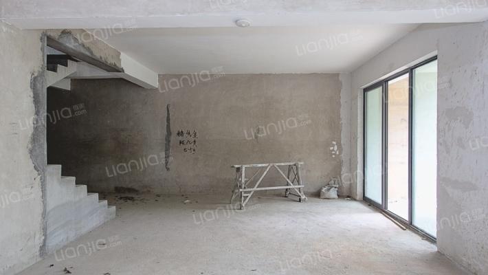 金元国际双拼别墅加地下室和楼顶建一层共计5层